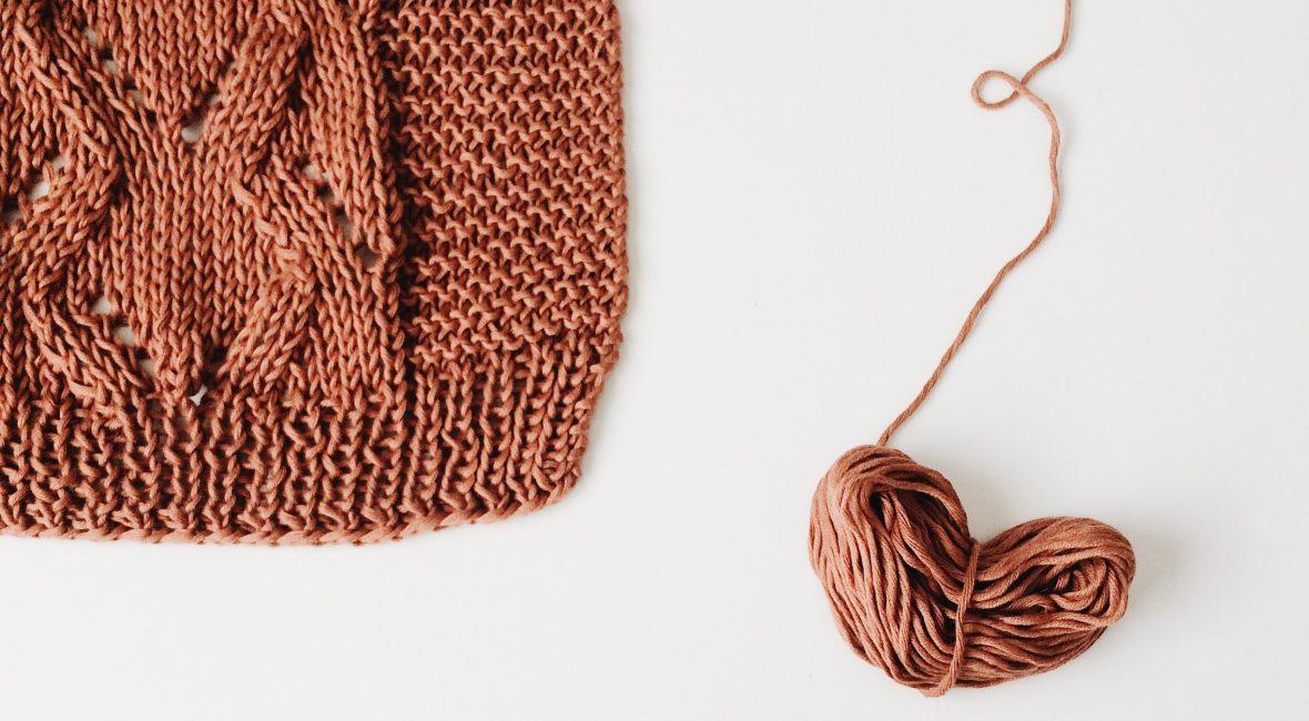 Ta strikketøyet med ut i naturen